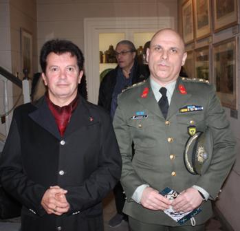 Με τον εκπρόσωπο του ΓΕΣ, Μιχάλη Ιωαννίδη