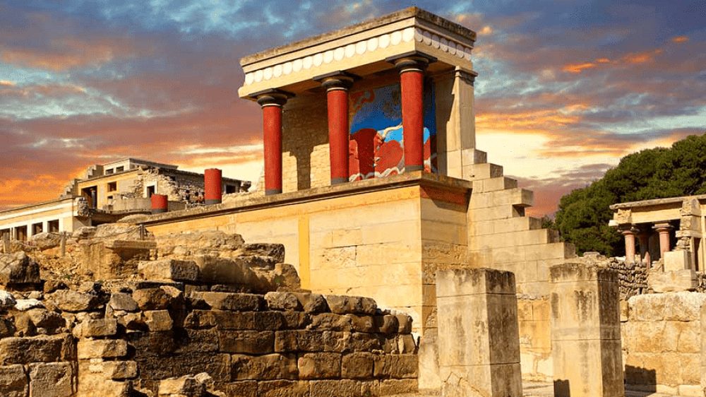 palace-of-knossos-3d-app-guiding-tool-families-tours-crete-kids-love-greece-family-activities-tablets-virtual-reality