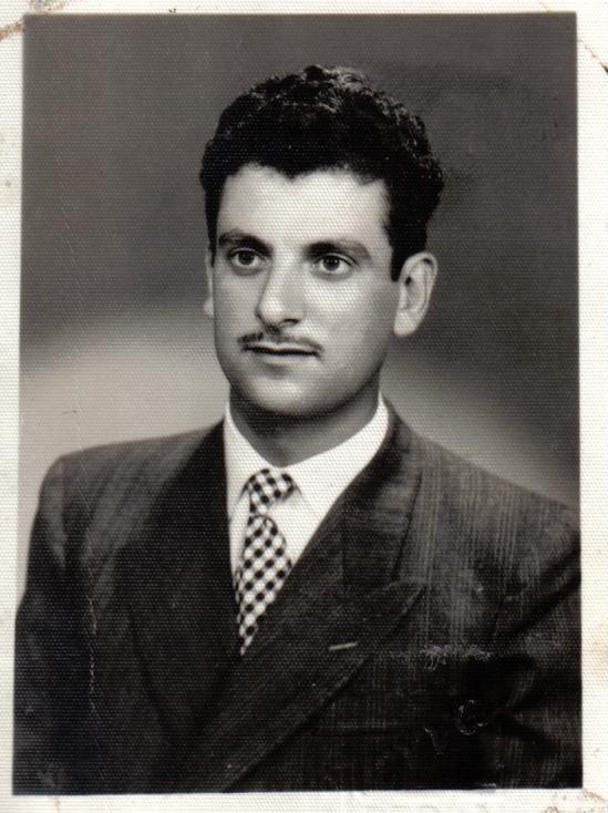 Νικόλας Λαζαράτος